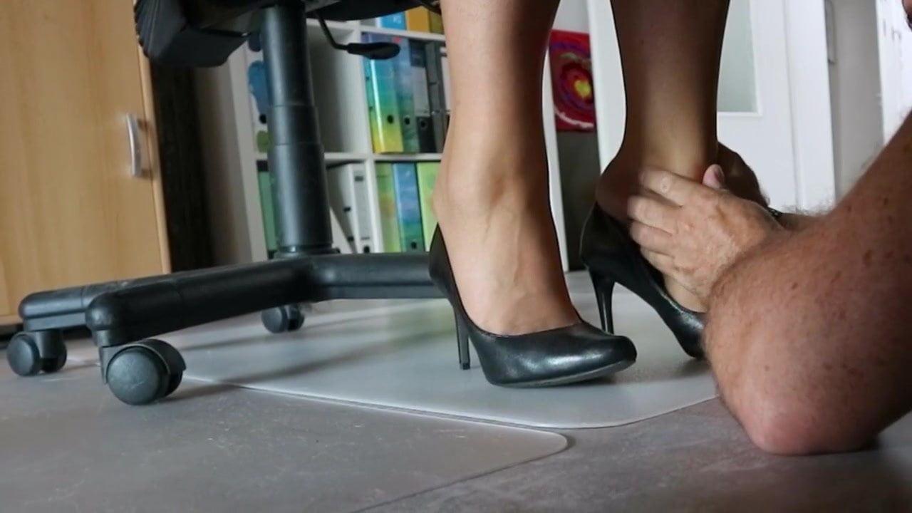 Student Blowjob Under Desk