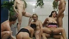 Reife Weiber Gangbang With Susanne & Magda Polak.