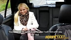 Hornytaxi блондинку-клиентку соблазнил таксист