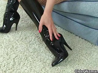 Celebrity porn abi titmuss British milfs lucy gresty and abi toyne in fishnet tights