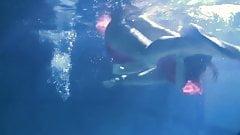 Lilia mihalkova e natalia kupalka debaixo d'água lésbicas