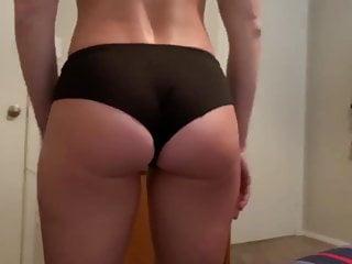 Ass shanking Teen leah shanking her ass