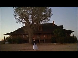 Lesbian hand under dress - Arizona dream 1993 - faye dunaway under dress