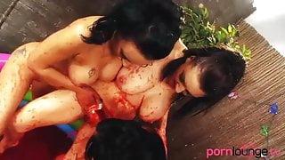 Jello bathing lesbian brunettes in threesome