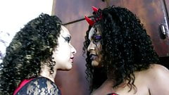 Debora Blu & Jennifer Avila - Makeup to kiss - Lony Fetiches