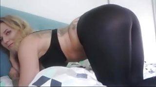Farting in leggings