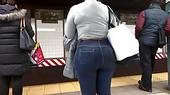 Bubble Booty Teen in Tight jeans