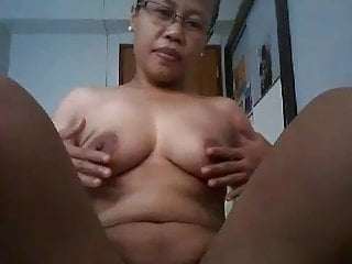 Indonesian maid blowjob Indonesian maid in heat