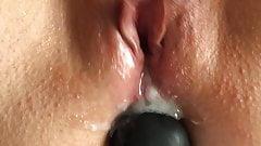 Paci con Dildo en el culo y se masturba con semen adentro