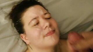 BBW takes a huge facial cumshot