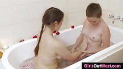 Busty hairy chick licked in the bath