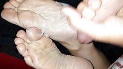 Cum on girlfriends soles Footfetish