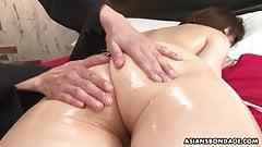Bondage lesbiennes asiatiques