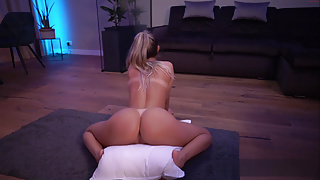 Hot blonde with a Big Ass sits on her pillow
