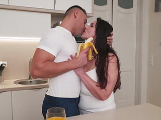 Mom son porn tube - Mature busty mom tries sons banana
