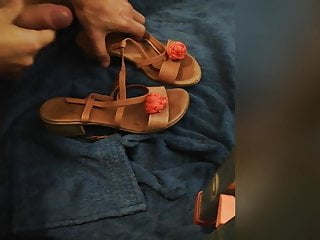 Old woman sexy pic Cum on my mothers sexy sandals