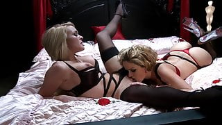 Two stunning babes spread their legs wide open for some pussy eating