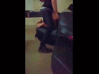 Porno posnetki iz za scene Droljica iz zemuna izjebana zestoko u prostorijama kluba