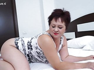 Milf work out red tube Mature mama still likes to work out that pussy