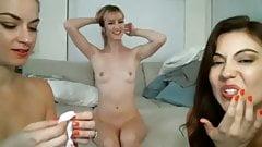 3 hot girls do cam show
