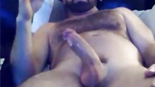 Hairy daddy shooting so good