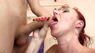 Perfect mature stepmom suck and fuck her young boy