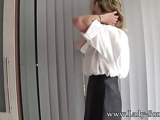 Mom uses a vibrator - Mature blonde lady sonia uses a vibrator on her clit