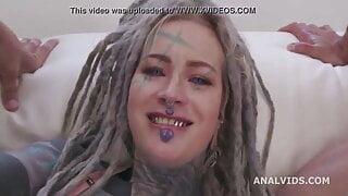 Anuskatzz – she is so beautiful