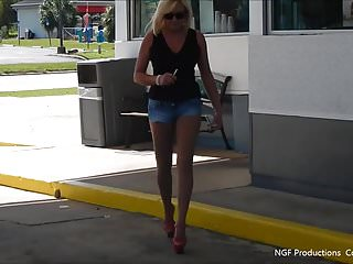 Sexy girls in daisy duke shorts Smoking in daisy dukes and hooker heels