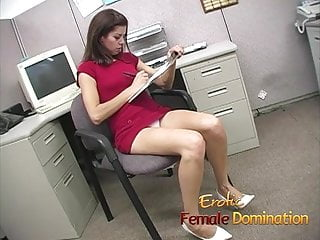 Only sex movie us Slut makes a co-worker cum using only her sexy feet