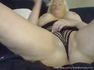 Jacquelyn exposed breast 1998 wwf photo Tammy lynn sytch aka sunny of wwf masturbates with dildo
