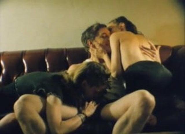 Anna Levine  nackt