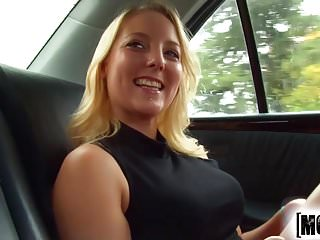 Delivery hentai kikis service - Travelling super-freak delivery service video starring lisa