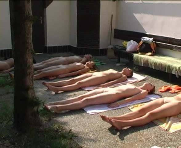 Nude Yoga Group