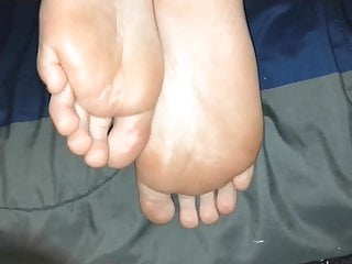 Scratch soles after cum - Smelly sweaty after work soles