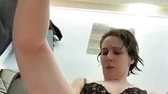 Girl solo in pool cabin with big lips - French