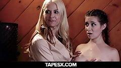 Przybrana córka zostaje zerżnięta przez matki
