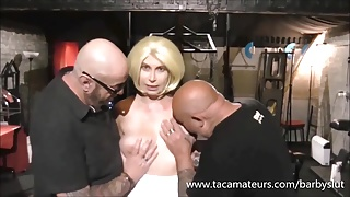 British housewife Barby Slut in threeway with 2 old guys