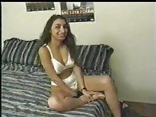 Sexo porno india Chica india usada para hacer porno