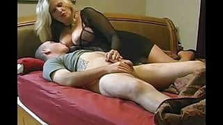 Mature wife loves anal - homemade