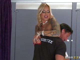 Britney blowjobs Brazzers - britney shannon get double stuffed by security