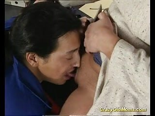 Does std transmit through oral sex Crazy old mom gets deep pussy fuck and does oral job