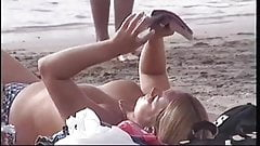 Voyeur topless playa