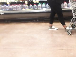 Phat black ass tgp Phat black ass walking around kroger 2