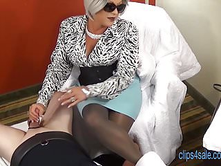 Mommy pantyhose - Mommy is in a mood trailer