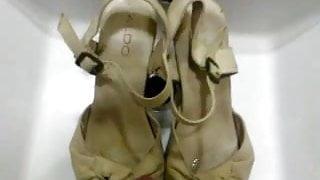 Cumshot on Aldo heels