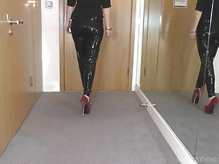 Where to find liquid latex - Sexy latex liquid leggings with red stilettos fetish
