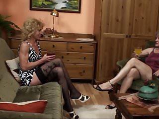 Lesbian grannies masturbating - A quick visit to the lesbian grannies