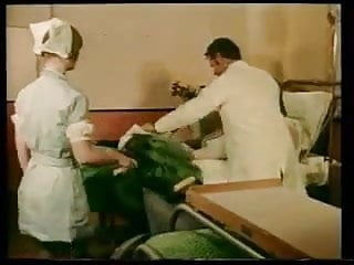 For sale vintage care bears - Sb3 hospital care