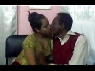 Lover fucking Bangladeshi sadia and her older lover fucking